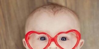 Heart Glasses on a kid